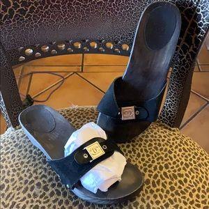 f69fe2816 Women s Chanel Sandals On Sale on Poshmark